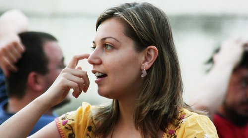 drapanie nosa